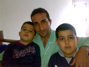 Nadarkhani con sus hijos durante una visita a la cárcel